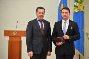 Губернатор поздравил региональное отделение ДОСААФ России с 90-летием