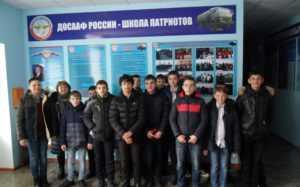Семиклассники СОШ № 8 посетили автошколу ДОСААФ