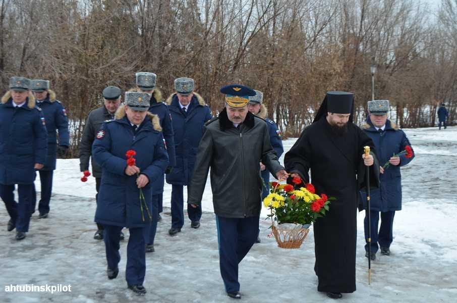 На «Крыле Икара» возложили цветы и зажгли огонь Славы
