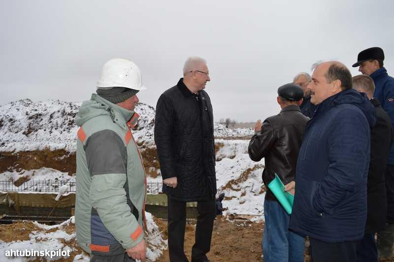 Вода на поля пойдет вовремя заверили рабочие председателя Правительства Астраханской области