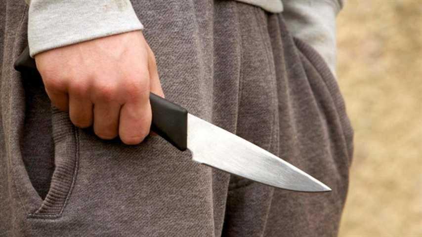 В Ахтубинске подросток ударил ножом 17-летнего товарища