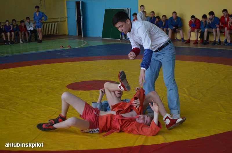 Всероссийский «День Самбо» отметили на ковре