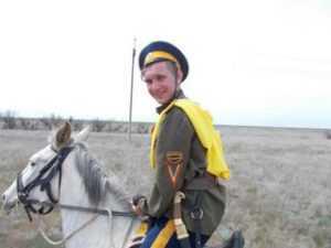 Курсант автошколы ДОСААФ принял участие в конном походе
