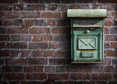 Письма и посылки снова подорожают