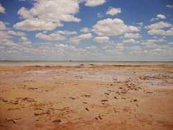 Два туриста из Польши незаконно отдыхали на озере Баскунчак