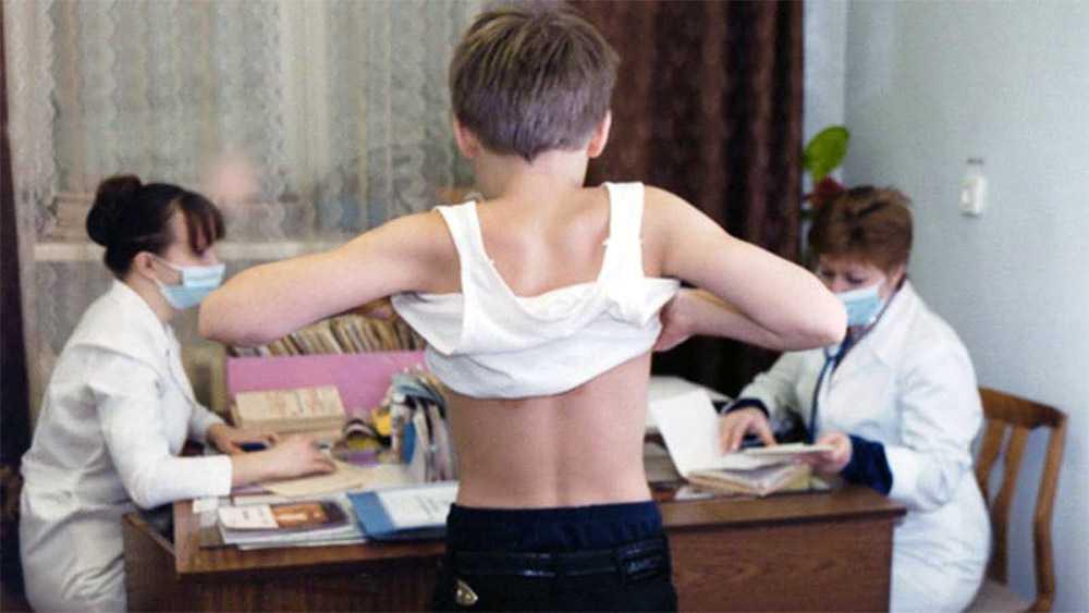 С 2018 года медучреждения будут направлять результаты осмотров детей по месту их обучения