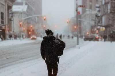 Штормовое предупреждение из-за снега и гололеда объявлено в Астраханской области