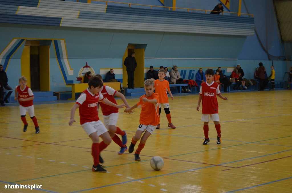 Мальчишеский футбол по — взрослому