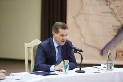 Астраханский губернатор предложил заменить школьные уроки пения на театры