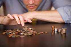 Росстат: доходы астраханцев продолжают падать
