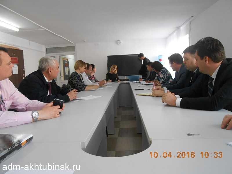 Совещание по вопросу благоустройства памятников, братских могил и обелисков, расположенных на территории города Ахтубинска