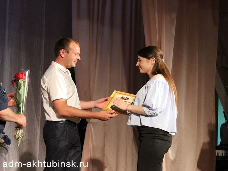 8 Июня в России празднуется День Социального работника