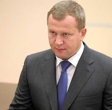 Новому руководителю Астраханской области 45 лет, и у него есть дети