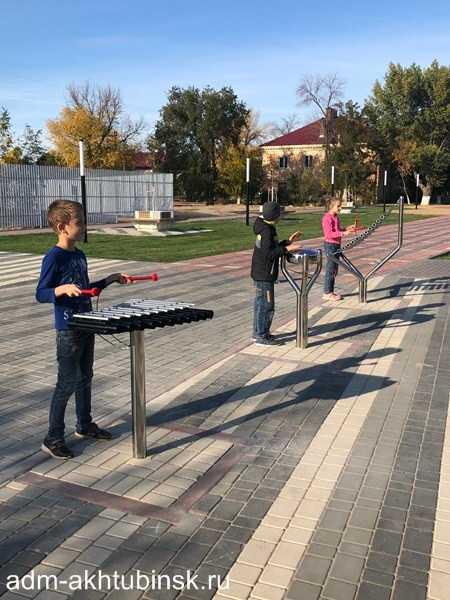 """На новом сквере """"Арбат-400"""" установили уличные музыкальные инструменты"""