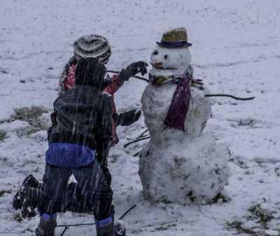 Крепкий мороз, снег и гололед прогнозируют в Астраханской области