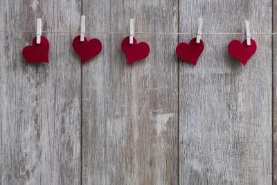 Про игрушечки, конфеточки и цены на них в День святого Валентина