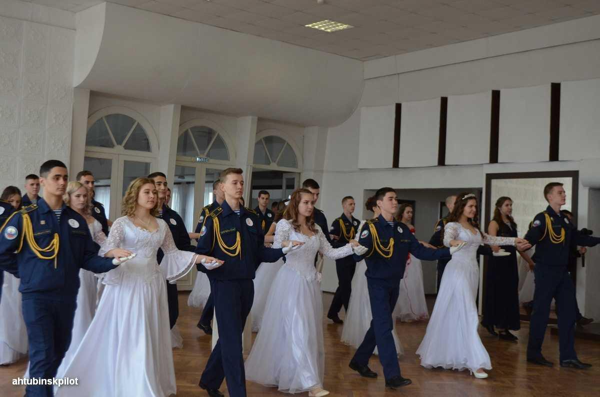 Сретенский бал в Ахтубинске стал украшением православного праздника