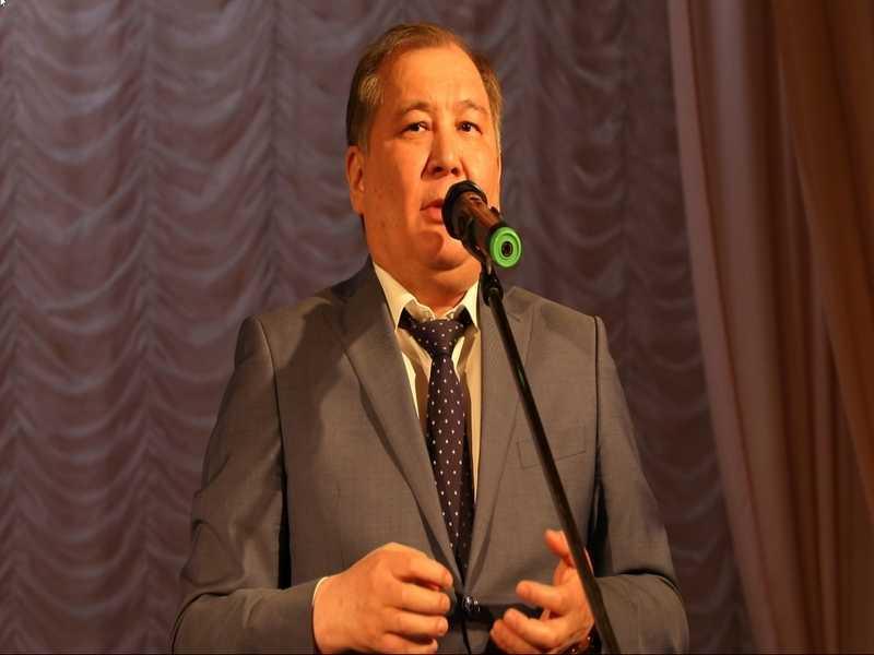 Глава города Ахтубинска провел встречу с жителями города Ахтубинска в Районном Доме культуры