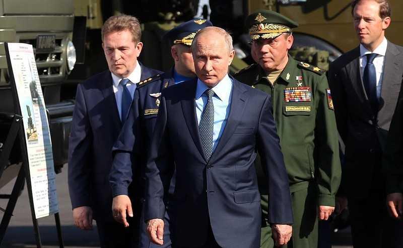 Владимир Путин стал четвертым главой государства посетившим Ахтубинск