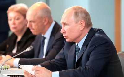 Владимир Путин обсудил в Ахтубинске социально-экономическое развитие Астраханской области