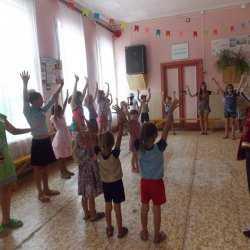 Спортивно игровая программа «Мы одна – семья» прошла в Доме культуры с. Сокрутовка