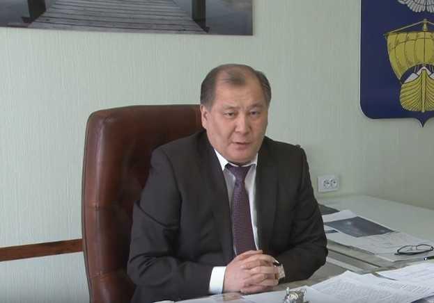 Глава города Ахтубинска Аманга Нарузбаев не будет участвовать в предстоящих выборах