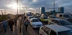 В Астрахани ищут тело мужчины, упавшего с моста