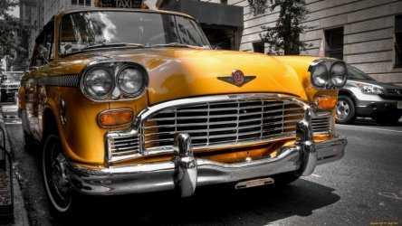Леонид Огуль направил запрос с ФАС из-за кратного роста цен на такси