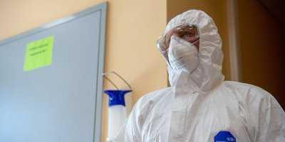 Какие доплаты положены врачам, работающим с «коронавирусными» пациентами
