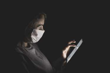 Астраханцам, распространяющим фейки о коронавирусе, грозит уголовная статья