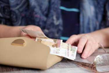 Справки об оплате ЖКХ собирать не надо
