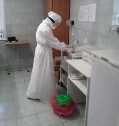 Число инфицированных в госпиталях растет. Главные цифры по коронавирусу на 25 сентября