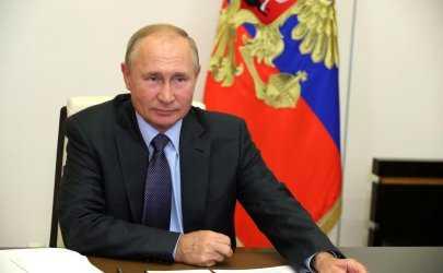 Владимир Путин прилетел в Астраханскую область