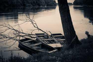 В Астрахани утонул мужчина, выпавший излодки