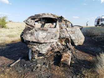 Четыре человека, включая ребенка, сгорели заживо в страшном ДТП под Астраханью: кадры