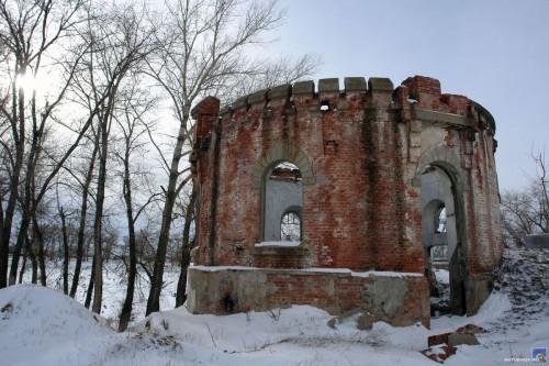 Развалины у консервного завода