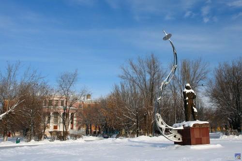 Памятник Валерию Чкалову