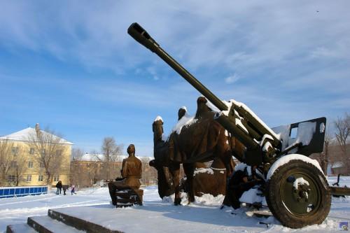 Памятник верблюдам