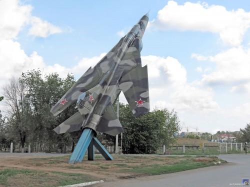 Самолет МИГ-23 на Циолковского
